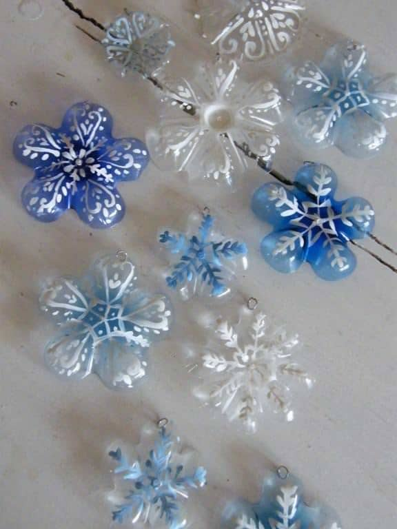christmas decorations with plastic bottles 3