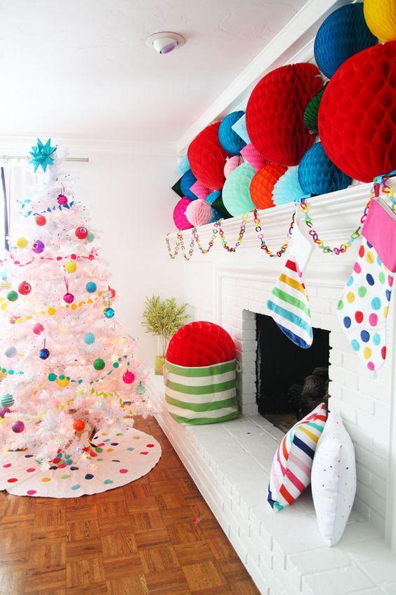 decorate white christmas trees 2