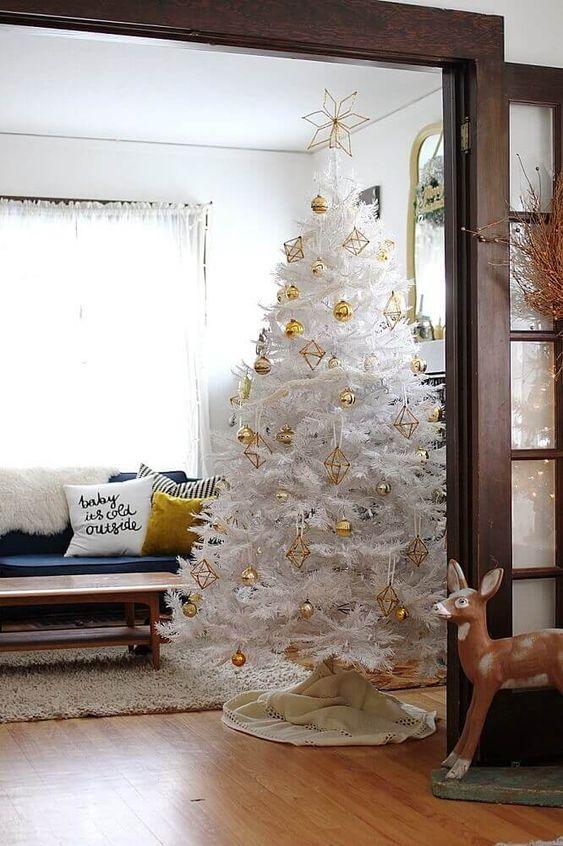 decorate white christmas trees 5