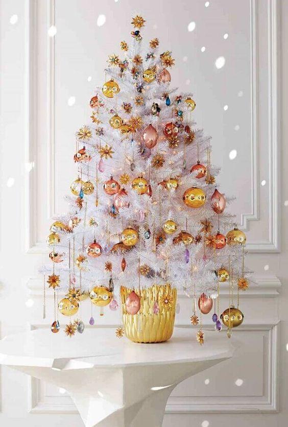 decorate white christmas trees 6