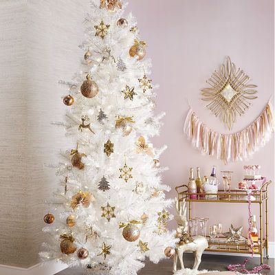 decorate white christmas trees gold