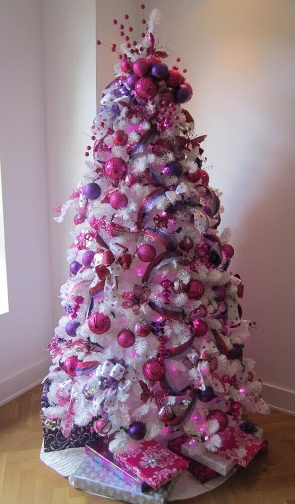 decorate white christmas trees pink
