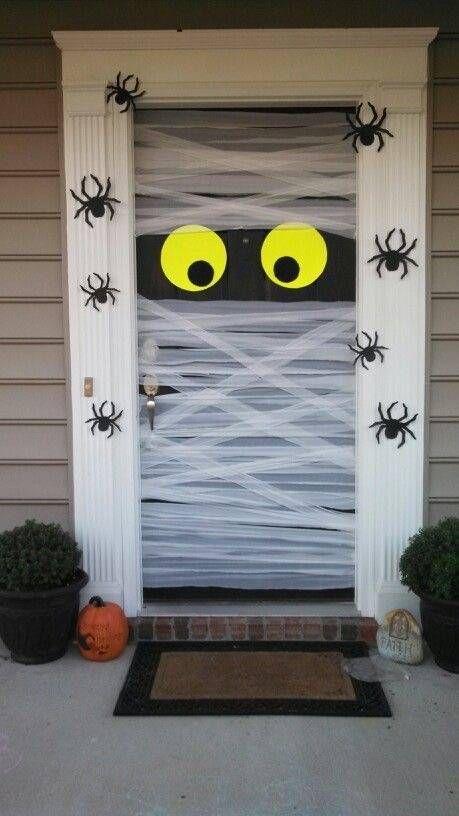 decorated halloween doors diy 9