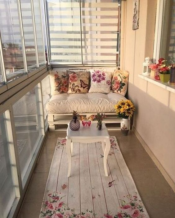 decorating small balconies 9