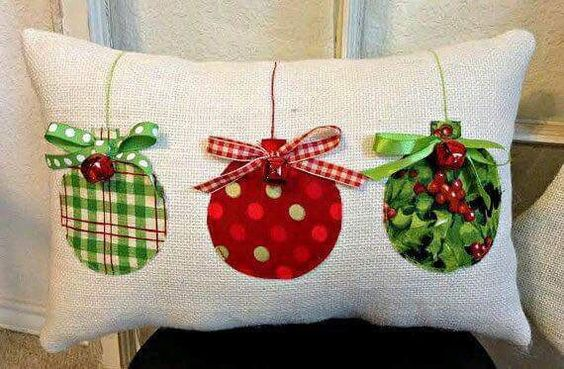 diy christmas pillow ideas 3