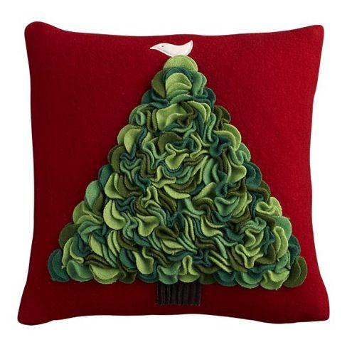 diy christmas pillow ideas 4