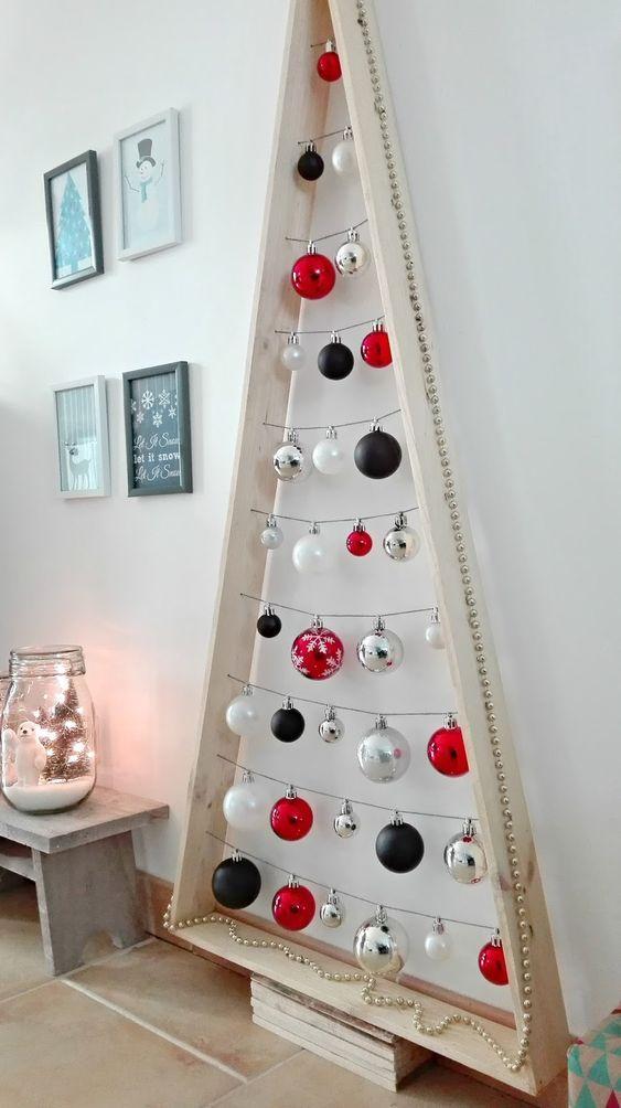 wooden christmas tree 1